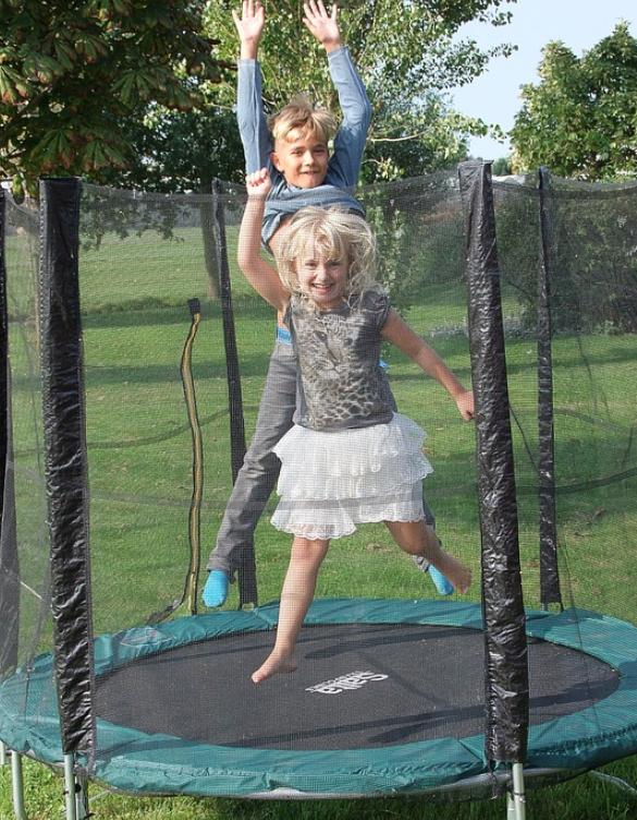 trampolin kaufen ideal f r kinder marketing tipps. Black Bedroom Furniture Sets. Home Design Ideas